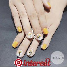 nails - Pin on uñas decoradas Pin on uñas decoradas Gel Nail Art, Gel Nails, Cute Nails, Pretty Nails, Fingernails Painted, Minimalist Nails, Pin On, Yellow Nails, Stylish Nails