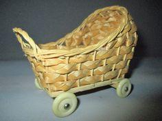 alter Puppenstuben Wagen mit Steckkissen/Matratze,evt.Versand siehe Text + Fotos