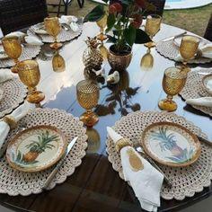 Jogo americano de crochê: 60 modelos para decorar a mesa Christmas Decorations For The Home, Christmas Diy, Table Setting Inspiration, Table Set Up, Clever Diy, Table Settings, Toque, Tablescapes, Dinner Table Decorations