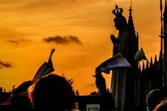 Imagem será coroada no sábado na Catedral de Westminster, Inglaterra, recebendo uma coroa feita por joalharia portuguesa