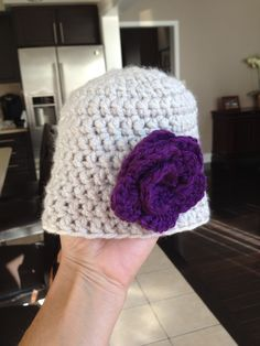This new born hat took half hour to crochet. The flowers...well it was the first I made so it was a slow process.