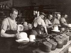 Le site, installé sur l'ancienne usine Fléchet réhabilitée, présente toutes les étapes de la chaîne de production du chapeau de feutre de luxe à partir du poil de lapin domestique, garenne et lièvre. Machines en fonctionnement, fabrication de chapeaux, vidéos-témoignages des ouvriers et atelier reconstitué plongent le visiteur dans l'atmosphère d'une usine de chapellerie.