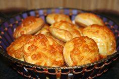 Mámorító vajas pogácsa, a legfincsibb sós nasi, ezzel nem lehet betelni! Pretzel Bites, Cake Cookies, Scones, Macaroni And Cheese, Recipies, Muffin, Food And Drink, Favorite Recipes, Sweets