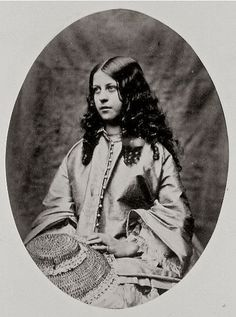 """"""" Lisa Wood (August Taken by Charles Dodgson a. Lewis Carroll Courtesy of Lewis Carroll, Photographer """" Alice Liddell, Lewis Carroll, Alfred Stieglitz, Adventures In Wonderland, Alice In Wonderland, Old Pictures, Old Photos, Children Pictures, Vintage Photographs"""
