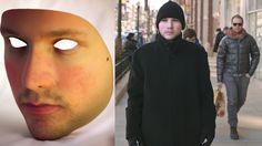 La máscara con la cara de un artista para esquivar la vigilancia de las cámaras