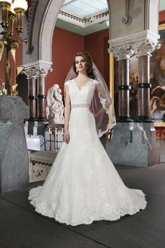 20 of the best new lace wedding dresses for 2014 • Wedding Ideas magazine