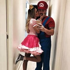40 Awesome Couples Halloween Costumes Ideas 40 Awesome Couples Halloween Costumes IdeasYou can find Couple halloween costumes and more on our Awe. Easy Couples Costumes, Original Halloween Costumes, Unique Couple Halloween Costumes, Couples Halloween, Best Celebrity Halloween Costumes, Halloween Halloween, Group Halloween, College Couple Costumes, Funny Couple Costumes
