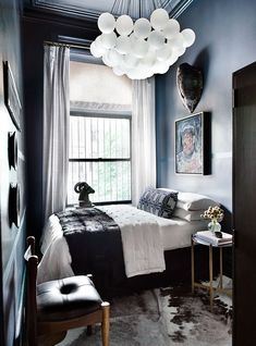 14 Fabulous Rustic Chic Bedroom Design and Decor Ideas to Make Your Space Special - The Trending House Small Bedroom Interior, Small Bedroom Designs, Small Room Bedroom, Modern Bedroom, Tiny Bedrooms, Bedroom Interiors, Bedroom Décor, Bedroom Lamps, Wall Lamps
