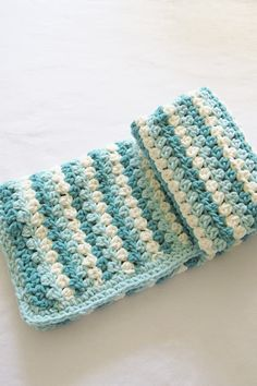 Crochet Mock Granny Stripe Afghan, Free Pattern This mock crochet granny stripe baby blanket with Bernat Blanket yarn will be your new favorite. The free afghan tutoria. Crochet Baby Blanket Free Pattern, Easy Crochet Blanket, Crochet For Beginners Blanket, Chunky Crochet, Crochet Stitches Patterns, Crochet Granny, Blanket Yarn, Chunky Blanket, Granny Pattern