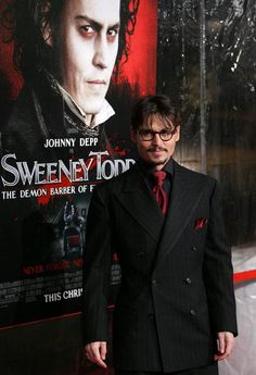 """Johnny and cast attended the """"Sweeney Todd: The Demon Barber of Fleet Street"""" premiere, at the Ziegfeld Theater in New York City. Johnny Depp Characters, Johnny Depp Movies, The Sweeney, Sweeney Todd, Funny Movies, Hd Movies, Horror Movies, Jhoni Deep, Hollywood Action Movies"""