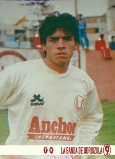 Alfonso Dulanto campeón con @Universitario en 1992, 1993 y 1999. Subcampeón en 1995...
