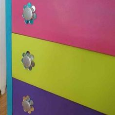 7 Upcycled DIY Ideas to Decorate a Teen Girl's Bedroom