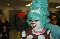 Audrey at Clown School Clown School, Clown Pics, Female Clown, Clowns, Ronald Mcdonald, Beauty Hacks, Photo And Video, Lady, Beautiful