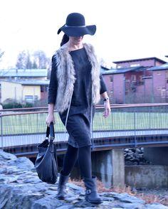 Linen dress & faux fur