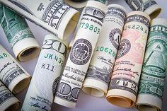Јак долар јача дуг - http://www.vaseljenska.com/wp-content/uploads/2016/06/dollar-1362244_640.jpg  - http://www.vaseljenska.com/ekonomija/jak-dolar-jaca-dug/