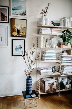 Centerpiece: string shelf - Schöner wohnen - Shelves in Bedroom Decor Room, Living Room Decor, Diy Home Decor, Bedroom Decor, Decoration Entree, Decoration Design, Interior Design Hd, String Regal, String Shelf