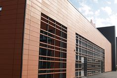 PROYECTOS REALIZADOS DE FACHADA VENTILADA. Modern Architecture. Modern building.