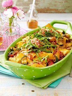 Der perfekte Mix aus Nudeln, Gemüse und Hack.
