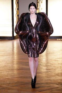 'hybrid holism' - iris van herpen - haute couture 2012 - paris