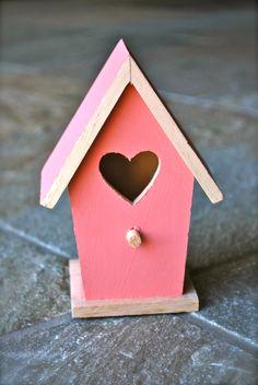 Narrow Wooden Birdhouse    http://www.wix.com/saleenamarie/vintagevault