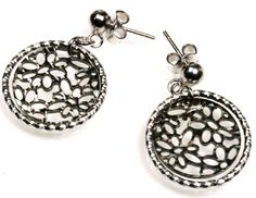 Designed with passion, made from love, shop now our Italian sterling silver chains collection, for men and women, with a positive outlook 925 sterling silver Sterling Silver Chains, Sterling Silver Earrings, Turkish Fashion, Simple Colors, Down Hairstyles, Looking Gorgeous, Women's Earrings, Belly Button Rings, Your Hair