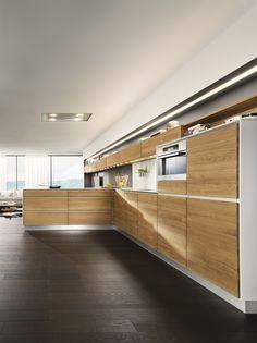 Cucina in legno massello con isola VAO by TEAM 7 Natürlich Wohnen design Sebastian Desch
