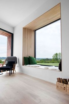 Hands down, my favourite window seat of all time. The green cushions bring the view into the house with the perfectly framed window seat. Modern Interior Design, Interior Architecture, Modern Window Design, Interior Ideas, Luxury Interior, Design Interiors, Home Window Design, Bay Window Designs, Contemporary Architecture