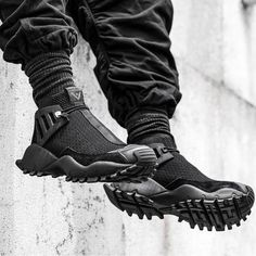 "lightresist:"" Adidas Originals x White Mountaineering / Seeulater Alledo"" Sneakers Mode, Sneakers Fashion, Fashion Shoes, Mens Fashion, Men Sneakers, Black Sneakers, Mode Cyberpunk, Cyberpunk Fashion, Me Too Shoes"