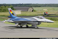 Taxiing back in after displaying at Florennes Air Show - Photo taken at Florennes (EBFS) in Belgium on June F 16 Falcon, Airplane Art, Aircraft Pictures, Air Show, Belgium, Air Force, Fighter Jets, Aviation, Air Planes