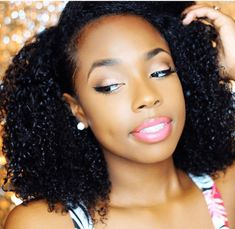 Refresh Curls from a Wash & Go teaches you how to make your curls look defined