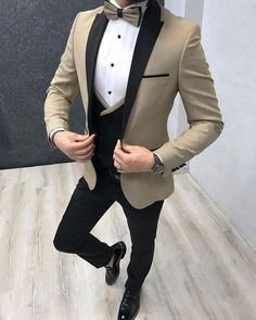99 Adorable Gold Tuxedo Jacket Ideas For Men That Trendy Now Source by for men Prom Suits For Men, Best Suits For Men, Cool Suits, Mens Suits, Blazer Outfits Men, Mens Fashion Blazer, Suit Fashion, Trendy Mens Fashion, Fashion Coat