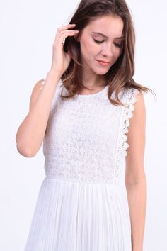 Lace Overlay Pleated Dress (White) S$ 38.00