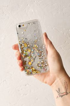 If you have a friend that loves anything sparkly, the Glitter Time iPhone 6/6s case ($20) should definitely...