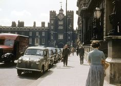 Find images and videos about street, london and england on We Heart It - the app to get lost in what you love. Vintage London, Old London, City Photography, Amazing Photography, Places To Travel, Places To Go, Time Travel, What Is Green, Swinging London