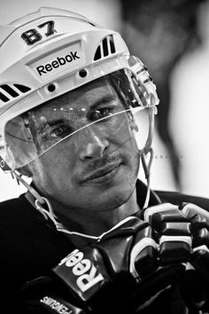 Sidney Crosby ........sighhhhhh!!! Hockey boys are the best boys! (Carmen Mandato Photography) #sidneycrosby #hockey