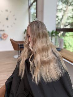 #balayage #haircoloring  #hair #hairstyles #blondie #blonde #highlights Blonde Highlights, Blondies, Blonde Hair, Hair Color, Hairstyles, Long Hair Styles, Beauty, Blonde Chunks, Haircuts