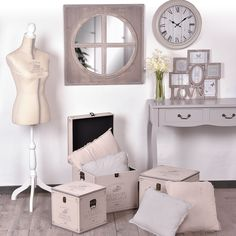 coiffeuse ambiance girly centrakor mes meubles et ma d co pinterest girly coiffeur et. Black Bedroom Furniture Sets. Home Design Ideas