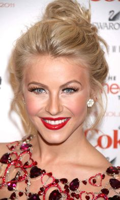 Awesome 1000 Images About Flow On Pinterest Julianne Hough Blondes And Hairstyles For Women Draintrainus