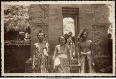 All Information About Bali Island Temple Bali, Old Photography, Balinese, Vintage Pictures, Asian Art, Old Photos, Illusions, Museum, Statue
