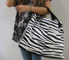 El blanco, el negro y su combinación son las principales apuestas de este otoño-invierno #bolsos #printanimal #onlyou