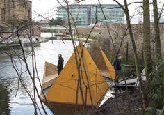 La piattaforma galleggiante Viewpoint (alla lettera: punto di vista) è realizzata con acciaio Corten e legno, materiali che rappresentano il...