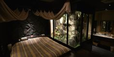 Japan Has Automated 'Love Hotels' And Tourists Are Starting To Notice