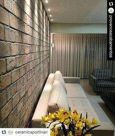 Sala com Brick da cerâmica Portinari.  #ceramicaportinari • Fotos e vídeos do Instagram Sala, tijolo, brick, rustico. Salas, Rooms