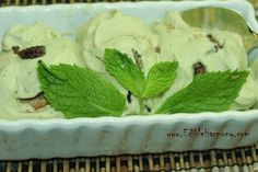 Mint Chocolate Chip Ice Cream (dairy-free) via Edible Harmony ¼ cup of coconut oil 3 tbsp of raw honey 3 tbsp of raw cacao powder or cocoa powder. Sugar Free Desserts, Frozen Desserts, Gluten Free Desserts, Dairy Free Recipes, Healthy Desserts, Just Desserts, Delicious Desserts, Yummy Food, Recipes