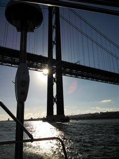 Ponte 25 de Abril numa grande tarde soalheira:) Lisbon's of April bridge on a great sunny afternoon Sunny Afternoon, Bridge, Travel, Lisbon, Trips, Viajes, Traveling, Legs