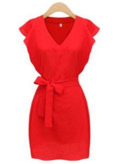 À vendre sur #vintedfrance ! http://www.vinted.fr/mode-femmes/robes-habillees/28371805-belle-robe-rouge-manche-courte