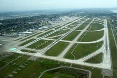 Seattle–Tacoma International Airport - Wikipedia, the free encyclopedia