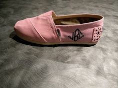 love these!!!  monogrammed toms!