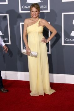 Jewel at the 2011 Grammys | Red Carpet Maternity Style - Parenting.com