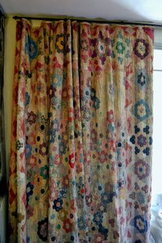 This vintage quilt is being used as a curtain. It looks like one of my mom'… This vintage quilt is being used as a curtain. Old Quilts, Antique Quilts, Vintage Textiles, Vintage Quilts, Vintage Curtains, Patchwork Curtains, Patchwork Fabric, Shabby Chic Vintage, Quilt Display